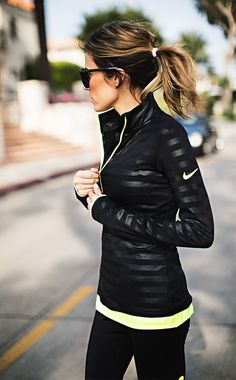 warm workout clothes I workout gear I gym outfit I neon I bright workout clothes I sunglasses I nike I fitness I fashion Sport Style, Gym Style, Mode Style, Fitness Outfits, Fitness Fashion, Fitness Clothing, Workout Clothing, Nike Workout Clothes, Nike Workout Gear
