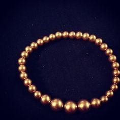 Imitación de perlas color oro. #arte #creaciones #bracelets