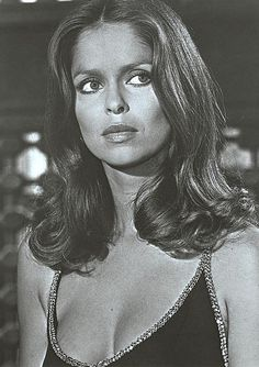 BOND GIRL FOR THE DOLCE VITA A chic natural berry for sultry and alluring beauties like Halle Berry and Barbara Bach