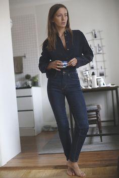 Dark blue jeans and navy top from makeitlast. Capsule Wardrobe, My Wardrobe, Tomboy Fashion, Fashion Outfits, Womens Fashion, Blue Jean Outfits, Dark Blue Jeans Outfit, Looks Style, My Style