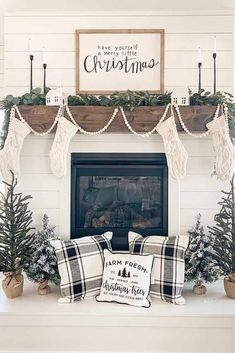 You can add warmth and charm to your home with the help of various fireplace farmhouse decor ideas. The fireplace designs will suit well for the small area and can be a source of pleasure and entertainment during chilly winter… Continue Reading → Christmas Farm, Farmhouse Christmas Decor, Christmas Mantels, Merry Little Christmas, Farmhouse Decor, Christmas Holidays, Farmhouse Fireplace, Christmas Fireplace Decorations, Fireplace Ideas