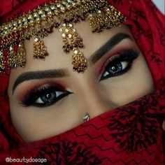 Beautiful eyes with Hijab Arabian Eyes, Arabian Makeup, Arabian Beauty, Arabian Women, Indian Bridal Makeup, Wedding Makeup, Lovely Eyes, Beautiful Hijab, Girls Eyes