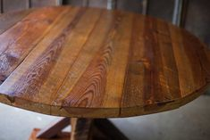 100+ Round Reclaimed Wood Table - Cool Modern Furniture Check more at http://livelylighting.com/round-reclaimed-wood-table/