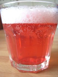 The Quince Tree: Redcurrant Cordial Recipe Cordial Recipe, Cherry Cordial, How To Make Drinks, Kombucha, New Recipes, Drink Recipes, Mixed Drinks, Raspberry, Strawberry