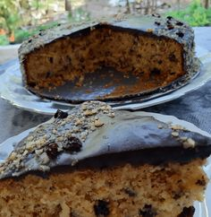 Νόστιμο, αφράτο και λαχταριστό κέικ με καρύδια, σταφίδες και από πάνω γλάσσο – Νηστίσιμο αλλά πάνω απόλα γεμάτο από αρώματα και γεύση! No Bake Cake, Banana Bread, Pancakes, Pie, Tasty, Sweets, Vegan, Baking, Simple