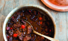 A true Texan chili-no beans, just meat, roast chunks to be exact.