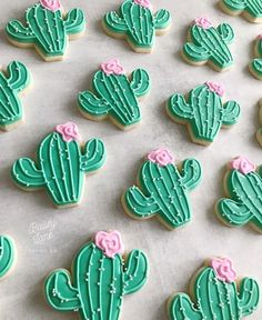 Cactus cookies Cookie Frosting, Royal Icing Cookies, Sugar Cookies, Frosted Cookies, Cactus Cupcakes, Nifty Crafts, Twins 1st Birthdays, Baby Shower Cookies, Cut Out Cookies