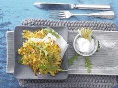 Steckrüben-Rösti - mit Birnenquark - smarter - Kalorien: 317 Kcal - Zeit: 35 Min. | eatsmarter.de