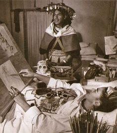 1950 Frida con un huichol