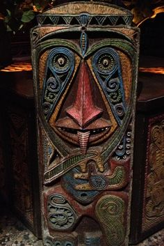 Enchanted tiki room fountain tiki Disneyland.