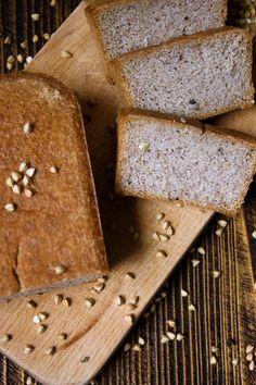 Cierpisz na celiakię lub na glutenofobię? Chleb z kaszy gryczanej jest właśnie dla Ciebie! Jego przygotowanie troszkę czasu zabiera, ale warto!