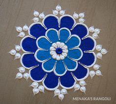 Easy And Simple Rangoli Designs Video Indian Rangoli Designs, Rangoli Border Designs, Colorful Rangoli Designs, Rangoli Designs Images, Beautiful Rangoli Designs, Rangoli Simple, Small Rangoli, Lotus Rangoli, Rajasthani Painting
