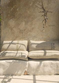 63 ideas exterior home colors beige Wabi Sabi, Outdoor Spaces, Outdoor Living, Outdoor Seating, Garden Seating, Moraira, Tadelakt, Italian Summer, Italian Patio