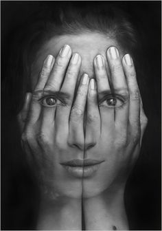 Hyper-realistic paintings look like huge double-exposure photos Creative Photography, White Photography, Portrait Photography, Human Photography, Photography Hashtags, Minimalist Photography, Exposure Photography, Color Photography, Maternity Photography