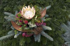 ProLuminate - Gräber im Herbst / Winter Art Floral, Ikebana, Succulents, Flowers, Plants, Gardening, Growing Roses, Fall Winter, Grief Loss