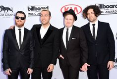 Pin for Later: Le Tapis Rouge des Billboard Awards Était Très Impressionnant Fall Out Boy