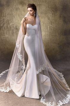 Wedding Dress Trends, Wedding Dress Sizes, Dream Wedding Dresses, Bridal Dresses, Wedding Ideas, Wedding Dress Veil, Wedding Gowns, Sleek Wedding Dress, Extravagant Wedding Dresses
