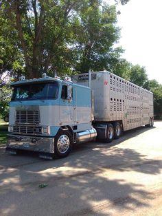 Mack Trucks, Big Rig Trucks, Semi Trucks, Cool Trucks, International Harvester Truck, Heavy Duty Trucks, Vintage Trucks, Peterbilt, Classic Trucks