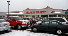 Market Basket gets VisitingNewEngland's pick as best supermarket in Massachusetts. See more at: http://visitingnewengland.com/supermarkets-groceries.html #marketbasket
