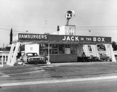 35 Of Your Favorite Fast Food Spots When They First Opened - Jack in the Box – Opened 1951 in San Diego, California Vintage Diner, Vintage Restaurant, Vintage Ads, Vintage Food, Vintage Stuff, Old Photos, Vintage Photos, Vintage Signs, Vintage Photographs