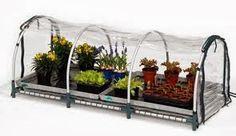 Piccoli Frutti: Arredare il terrazzo con una mini serra
