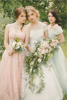 soft pastel vintage bridal party @weddingchicks