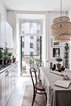 Small Parisian chic style kitchen