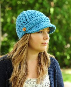 Ravelry: Ribbed Newsboy Hat pattern by Erin Hansen