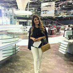 White Jeans, Chic, Pants, Style, Fashion, Trouser Pants, Elegant, Moda, La Mode