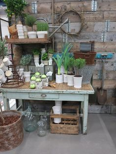Mod Vintage Life: More Potting Benches