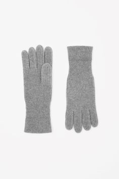 Discover our collection of men's gloves. From classic styles in soft leather to functional pieces in merino and warm wool-blends, explore our selection at COS. Cashmere Gloves, Modern Wardrobe, Mens Gloves, Hats For Men, Merino Wool, Scarves, Leather, Cos, Essentials