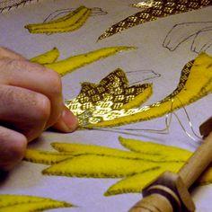 Curso de bordado en oro al realce // SÁBADOS DE MAYO 13 – 20 – 27 // 18horas // 10-14h // 17-19h – YOLANDA ANDRÉS EMBROIDERY, apúntate online en The Hobby Maker