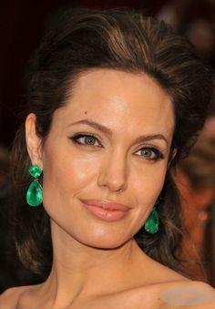 As esmeraldas mais espetaculares que jamais apareceram num red carpet e Angelina Jolie no Oscar de 2009