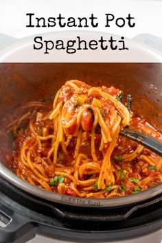 This Instant Pot Spaghetti with Meat Sauce is hands down the easiest recipe ever! One pot, and 20 minutes to get dinner from the fridge to your table! This fast family dinner is from scratch and kid approved! #spaghetti #spaghettiwithmeatsauce #instantpot #instapot #instantpotspaghetti #instapotspaghetti #onepotmeal #groundbeef #homemade #20minutemeal #quickdinner #weeknightdinner #recipe #numstheword #instantpotspaghettisauce Meat Sauce Recipes, Pasta Recipes, Beef Recipes, Dinner Recipes, Noodle Recipes, Dinner Ideas, Cake Recipes, Vegan Recipes, Dessert Recipes