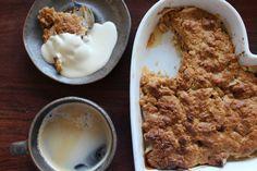 Knäckig äppelpaj med brynt smör & flingsalt