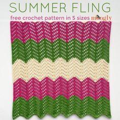 Summer Fling Throw - free crochet pattern for this light and lovely blanket in 5 sizes on Mooglyblog.com!