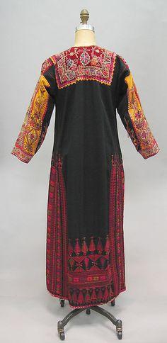 Palestinian Dress     Metropolitan Museum of Art    New York City   .metmuseum.org