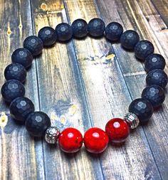 Bracelet perlé masculine, mens bracelet, bracelet de perles, étirer bracelet, bijoux, cadeaux pour lui, les perles bracelet onyx perles de 10mm à facettes onyx mat avec Pierre rouge et perles d'argent accent. Personnaliser à n'importe quelle taille nécessité.