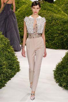 Dior   Paris   Verão 2013 HC  - Decote.