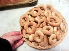 Onion Rings, Doughnut, Recipies, Good Food, Cooking Recipes, Cookies, Ethnic Recipes, Desserts, Sweets