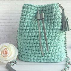 Φωτογραφία Bag Crochet, Crochet Backpack, Crochet Shirt, Crochet Handbags, Crochet Purses, Crochet Crafts, Crochet Projects, Yarn Bag, Knitting Accessories