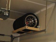 Maak gebruik van de hoogte in je garage en schuur en berg je zomer- of winterbanden efficiënt op