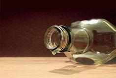 Rüyada içki görmek:Rüyada içki görmek şarap vs. gibi içkileri , onları içmeden sadece görmek , asil bir kadına tabir edilip yorumlanmaktadır. Rüya tabiri içki görmek konusunda Dikkat etmeniz gere…