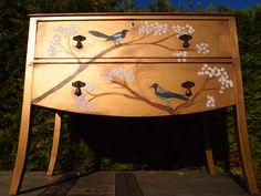 Vintage chest of drawers, painted in gold, distressed and decorated using the decoupage technique in magpie bird graphics, leaves, branches and gold leaf details. Decoupage Furniture, Upcycled Furniture, Vintage Furniture, Painted Furniture, Diy Furniture, Vintage Chest Of Drawers, French Typography, Bird Graphic, Painted Chest