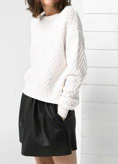 Top espalda pico - Camisetas y tops de Mujer | MANGO