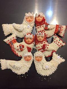 Bird Songs and Bird Tribe Shaman Women, their Culture, Art and Soul Felt Christmas Ornaments, Christmas Tree Decorations, Christmas Crafts, Shaman Woman, Felt Pincushions, Zipper Crafts, Soft Dolls, Felt Toys, Doll Crafts