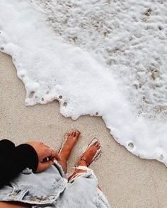 Whitewash and sandy toes x summer vibes sum