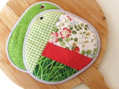 garden grill party potholders