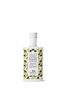 Real olive oil in its purest form, obtained by cold-pitting Coratina variety olives. Sold in packs of 6. Choose a size: