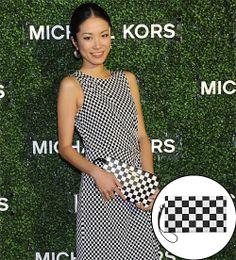 ITAI MAIKO  El estampado de ajedrez que reinó durante la temporada de primavera sigue muy de moda. La Miss Japón 2010 no se conformó con una...